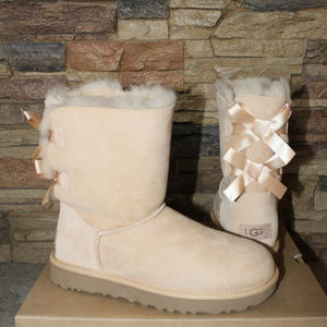 UGG BAILEY BOW II SUEDE SHEARLING BOOTS NEW 7